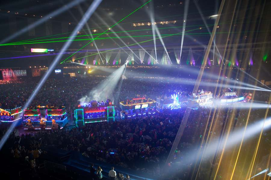 CLVR US EVENTS assisted RZI LIGHTING with lighting and video installation/upgrades on over 70+ float cars for Krew Endymionu0027s 50th Mardi Gras Parade ... & Mardi Gras 2016 u2013 CLVR US L3C